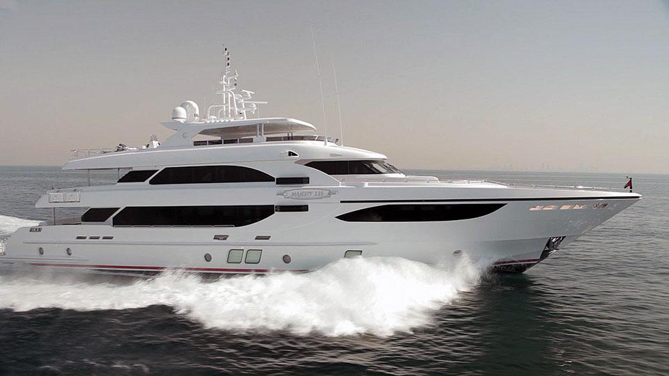 Dubai-Boatshow-2013-Compilatie-3.jpg